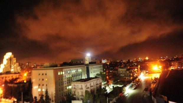 Estados Unidos, Francia y Reino Unido atacan a Siria