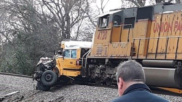 [TLMD - Dallas] Investigan causas de accidente mortal en Athens