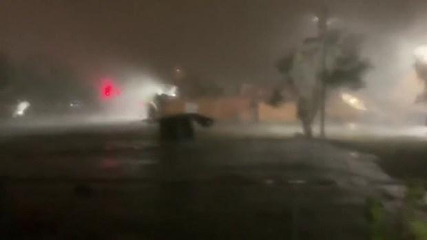 [TLMD - MIA] Video capta momento en que fuertes vientos causan estragos en Hialeah
