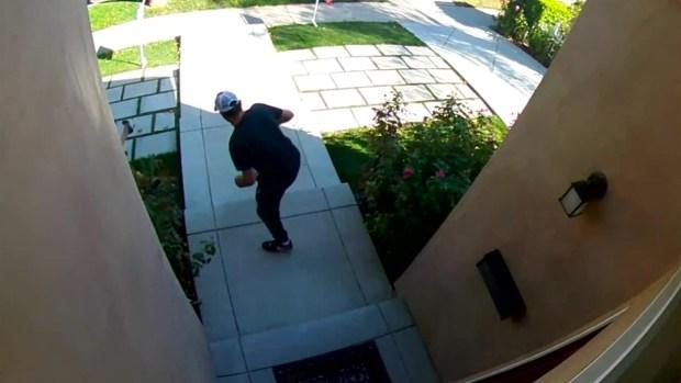 Captado en video: Violento ataque a una agente de bienes raíces