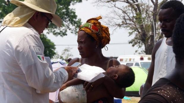 [TLMD - LV] Aumenta desesperación de migrantes en México al escasear agua y alimentos