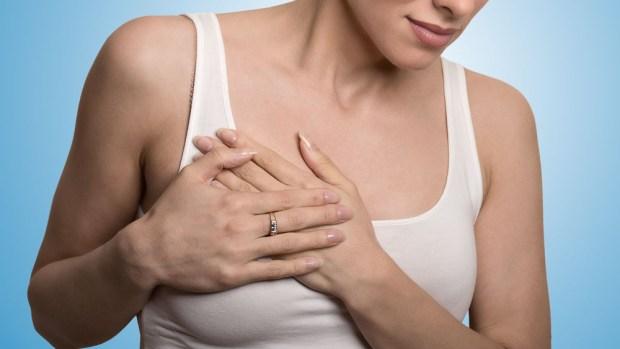 Implantes de seno podrían provocar un cáncer mortal
