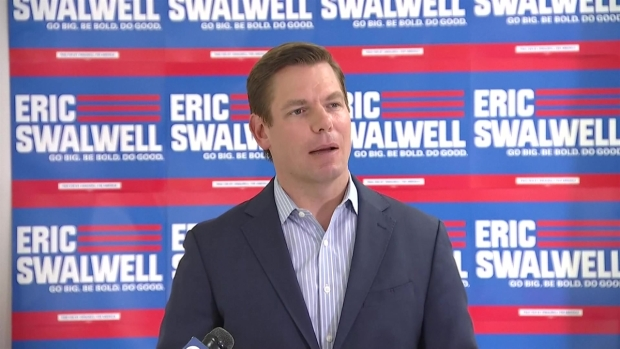 [TLMD - LV] Congresista Swalwell se retira de la contienda presidencial
