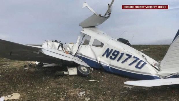 Policía: piloto supuestamente sufre infarto en pleno vuelo y todos a bordo mueren