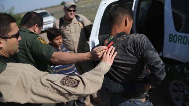 Video: Más inmigrantes detenidos en Texas