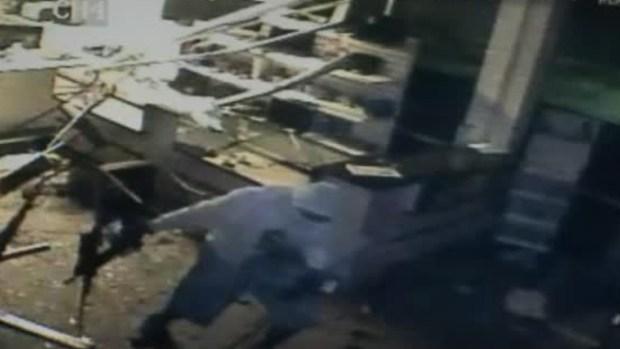 Video: ¡Insólito! robo de armas en video
