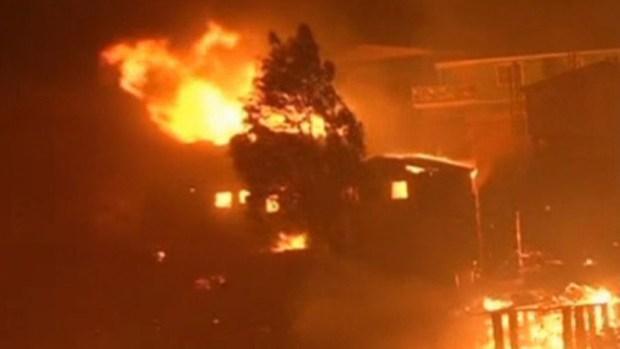 Video: Ya son 15 los muertos en Valparaíso