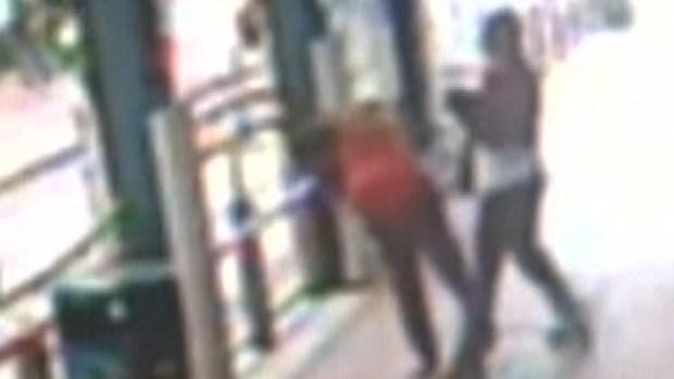 """Video: Pánico por """"aventador"""" de golpes al azar"""