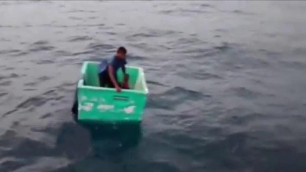 Video: Rescatan a pescador tras días a la deriva