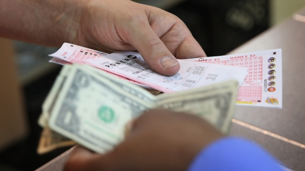 Video: Tres ganan $448 millones de Powerball