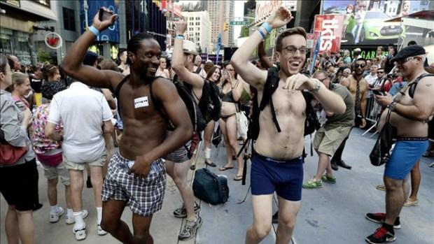 Video: Derroche de desnudez en Nueva York