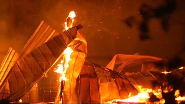 Video: Texas: varios bomberos extraviados