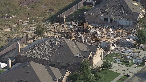 Investigan la razón de la explosión de vivienda