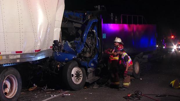 Hombre muere tras impactarse con camión