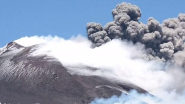 De cerca: la increíble erupción de una mítica montaña