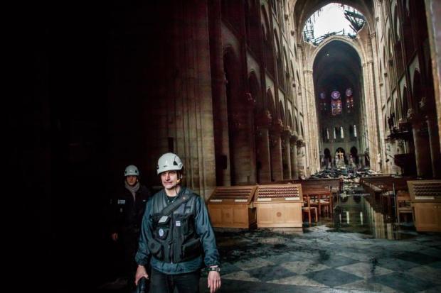 [TLMD - LV] Primeras imágenes del interior de la catedral de Notre Dame