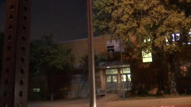 [TLMD - Dallas] Alumnos de Dallas sufren robo a punta de pistola