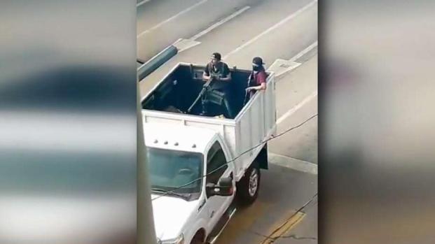 """[TLMD - LA] Balaceras en Sinaloa tras caputra de un hijo de """"El Chapo"""""""