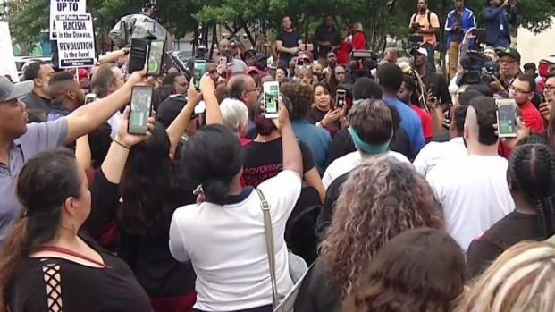 [TLMD - Dallas] Dallas: Marchan para pedir justicia por muerte de joven