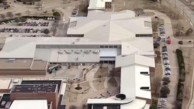[TLMD - Dallas] Detenidos por llevar armas a escuelas de Texas