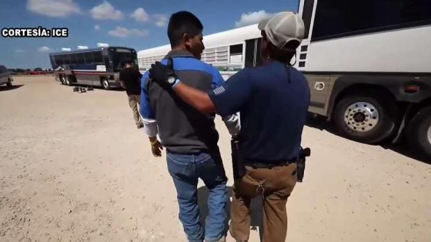 [TLMD - Dallas] Habla testigo de la redada de ICE en el norte de Texas