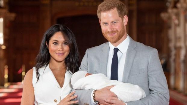 Harry y Meghan buscan quién cuide al pequeño Archie