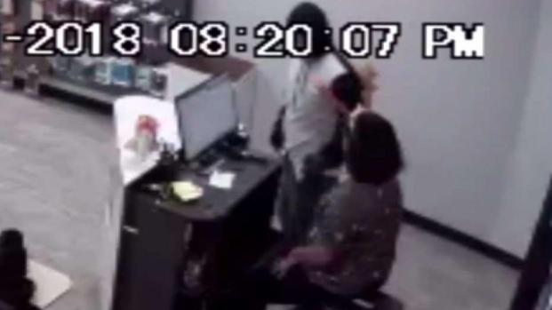 [TLMD - Dallas] Investigan serie de robos contra tiendas