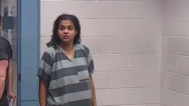 [TLMD - Dallas] Madre de Sherin Mathews pide que separen su audiencia