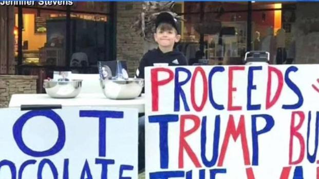 [TLMD - Dallas] Niño recauda fondos para construir el muro de Trump