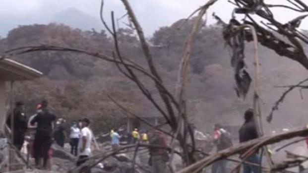 Reanudan tareas de rescate en Guatemala