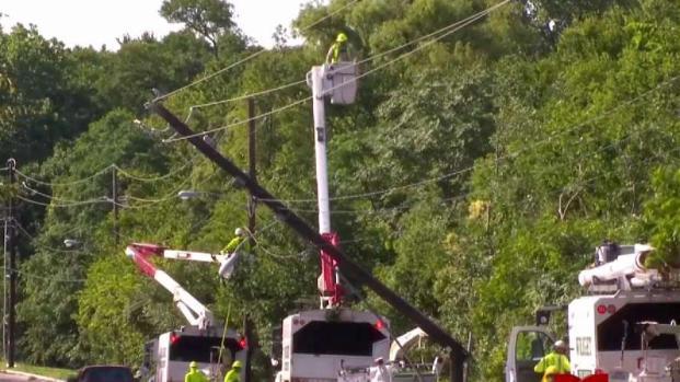[TLMD - Dallas] Residentes del Metroplex siguen sin electricidad