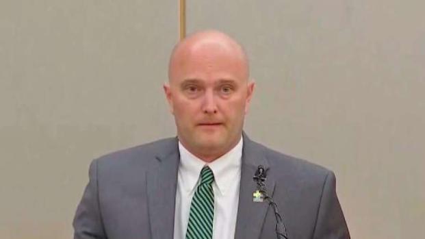 [TLMD - Dallas] Roy Oliver testifica durante su juicio por asesinato