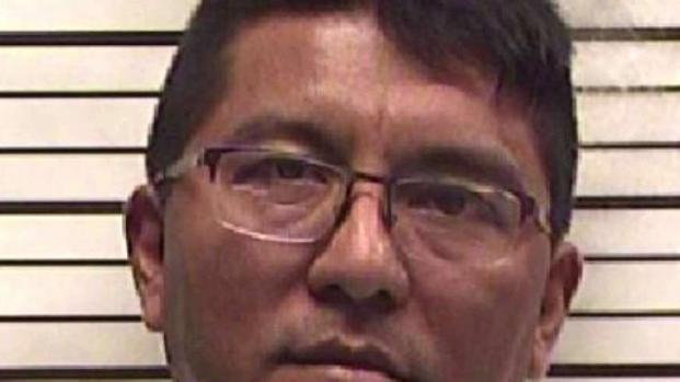 [TLMD - Dallas] Seis cargos contra ex maestro de primaria en Corsicana