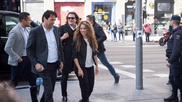 """Shakira y Vives defienden """"La bicicleta"""" ante un juez"""