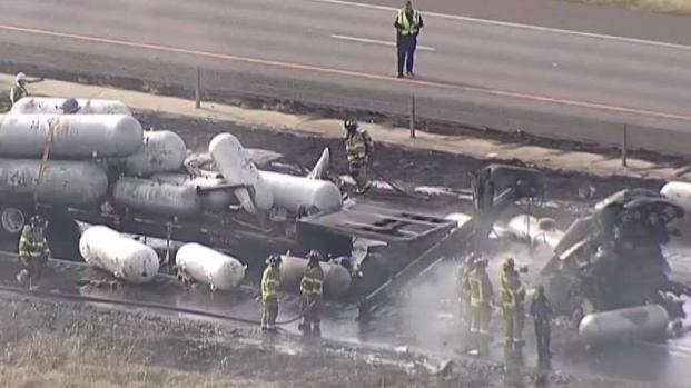 [TLMD - Dallas] Tres muertos tras choque e incendio en Denton