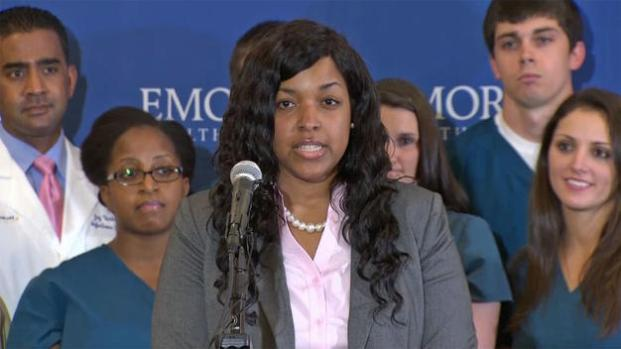 Video: Amber Vinson sale del hospital