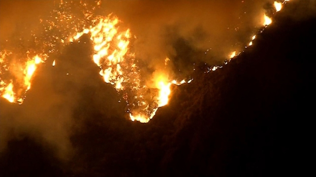 Imágenes del fuego de gran propagación en Santa Paula