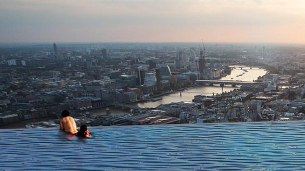 [TLMD - NATL] De infarto: piscina infinita al tope de un rascacielos y con vista 360 grados