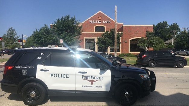 Fort Worth: Confirman arrestos tras intento de robo en banco