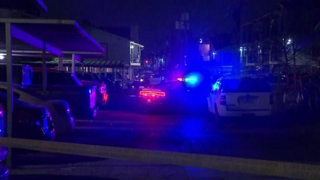 Matan a hispano en un complejo de viviendas en Dallas