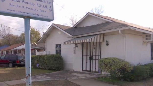 En Oak Cliff: fueron a la iglesia y terminaron hospitalizados