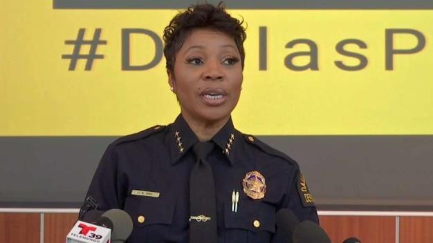 Jefa de policía de Dallas regresará tras ausencia médica