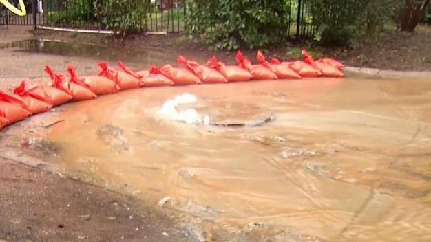 Mal olor tras problemas con drenajes en el Metroplex