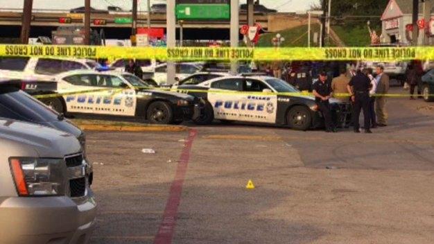 Muerto y heridos tras tiroteo frente a tienda en Dallas