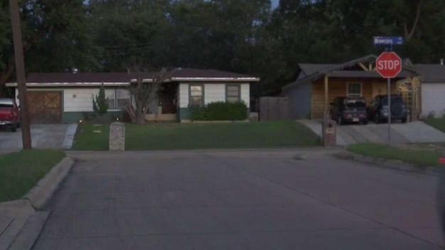 Policía de Arlington pide ayuda para resolver homicidio