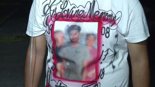 Realizan vigilia por muerte de adolescente en Dallas