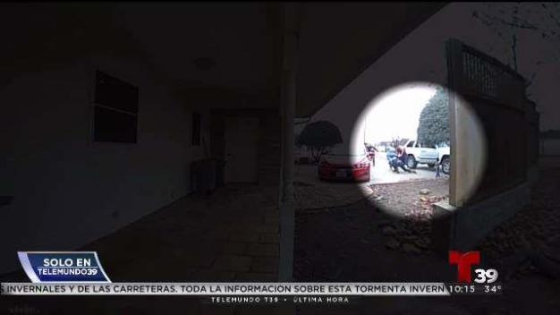 Captado en video: Apuñalan a una mujer en Burleson