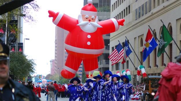 Toyota salvó el desfile navideño de Dallas