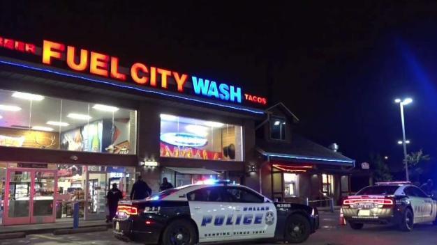 Un hombre es baleado en una popular gasolinera