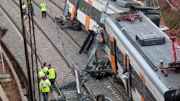 Deslave causa mortal accidente de tren en Barcelona